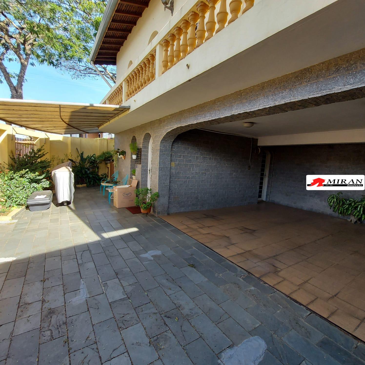 Casa com três dormitórios sendo duas suítes – Jardim Bela Vista – Valinhos/SP.