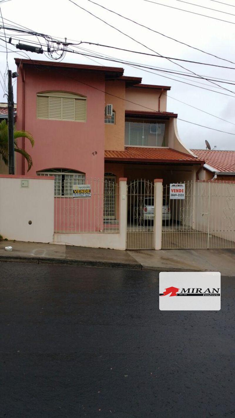 Casa Sobrado 3 dormitórios a Venda Condomínio Itapema Valinhos