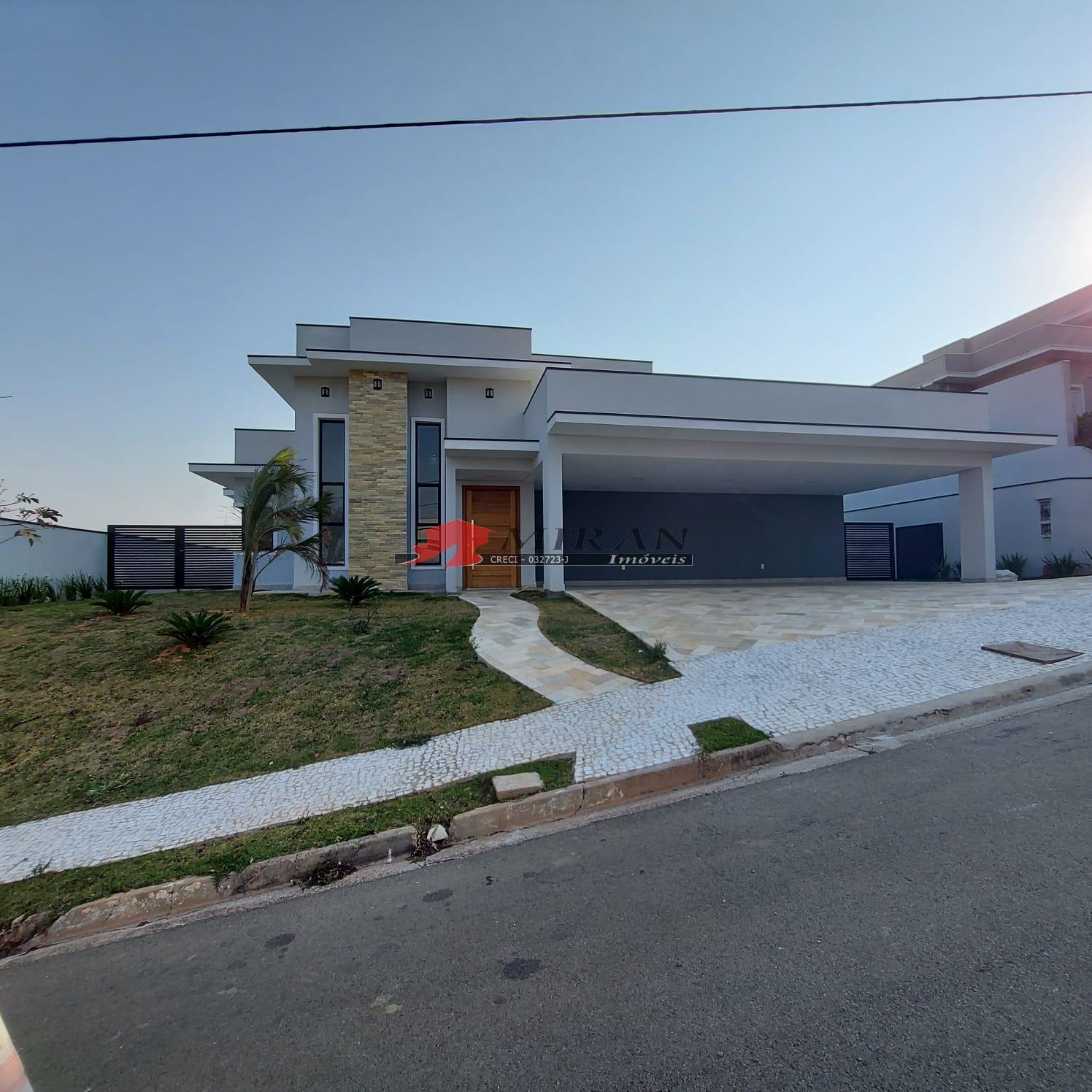 Casa Condomínio Fechado – Vila Lombarda – Valinhos/SP.